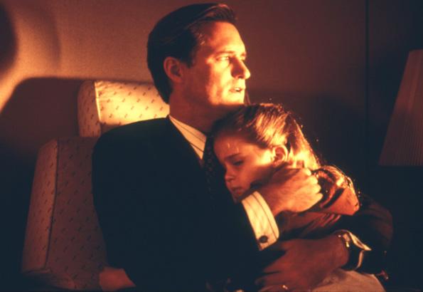 Bill Pullman and Mae Whitman