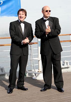 jason bateman jeffrey tambor arrested development tv exit strategy season 3 season finale 2006 photo