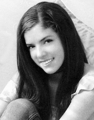 Anna Kendrick, Senior Year at Deering High School, Portland, ME (2003)