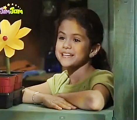 on and barney gomez friends Selena