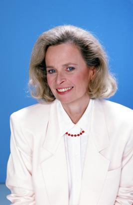 Bonnie Bartlett as Ellen Craig on St. Elsewhere in 1986