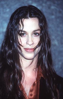 Alanis Morissette in 1995